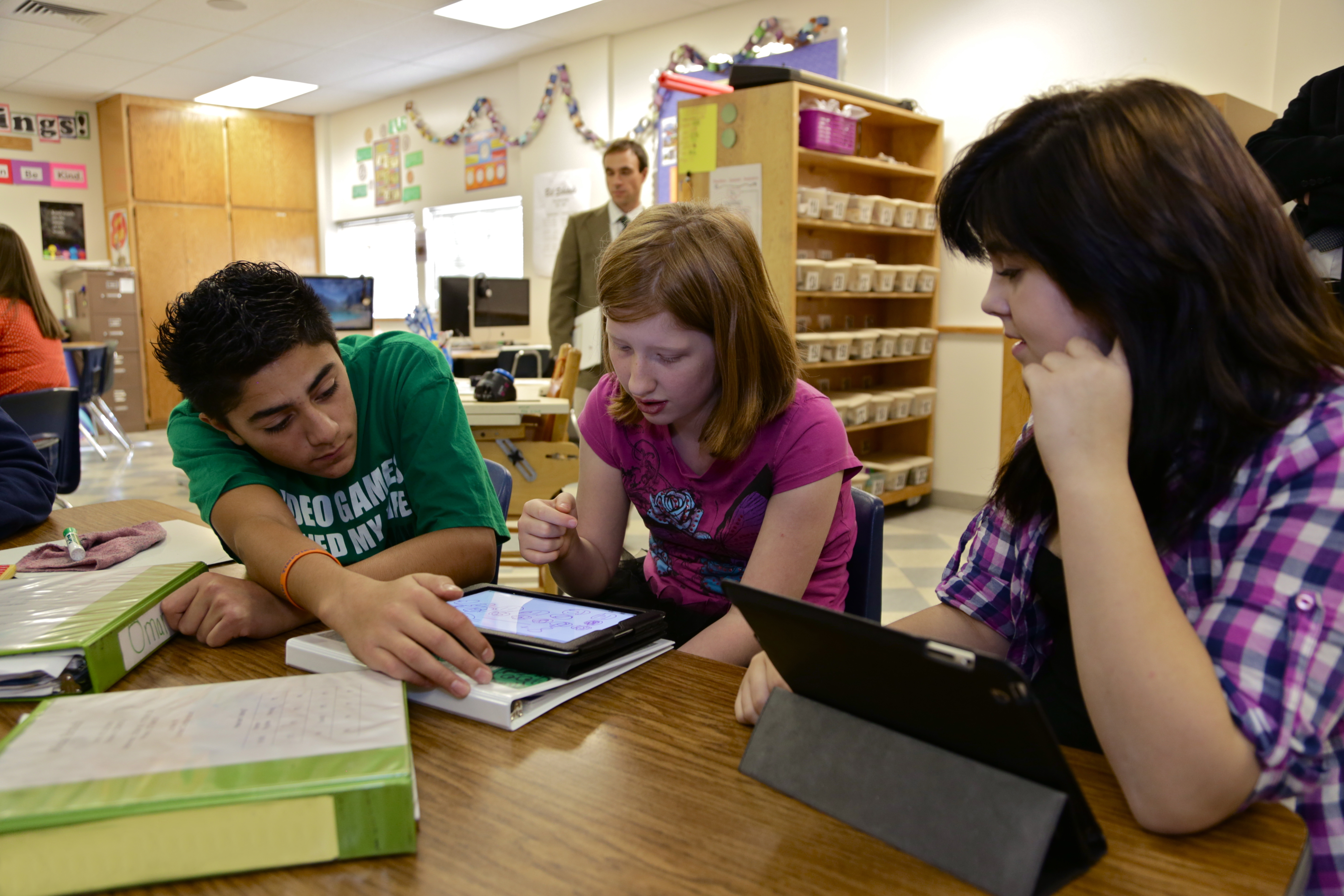 the elementary schools should encourage the students to use the technology Educators use frequent formative assessments to determine the needs of each student at forest lake elementary school using new technology to help bring.